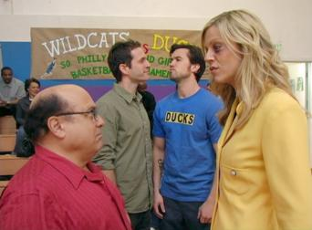 It's Always Sunny in Philadelphia: Season 2: The Gang Gives Back